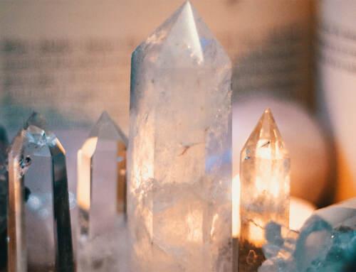 Kiehtovien kristallien seurassa